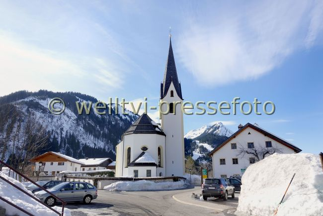Preview welltvi-Bichlbach-KIRCHE-Winter-DSC06175.jpg
