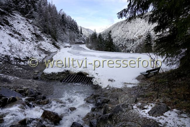 Preview welltvi-Namlos-Strasse-L21-Ri-Stanzach-Winter25122018_DSC1002.jpg
